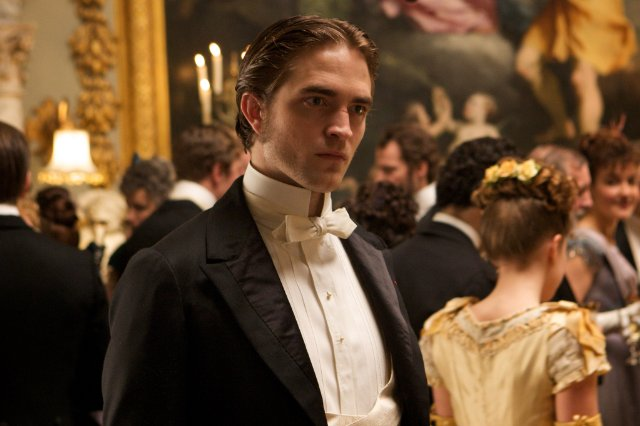 HollywoodandFine.com I'm not sure why, but no one has been willing or able to speak truth to box-office power, so let me try: Robert Pattinson is a terrible actor. Oh, […]