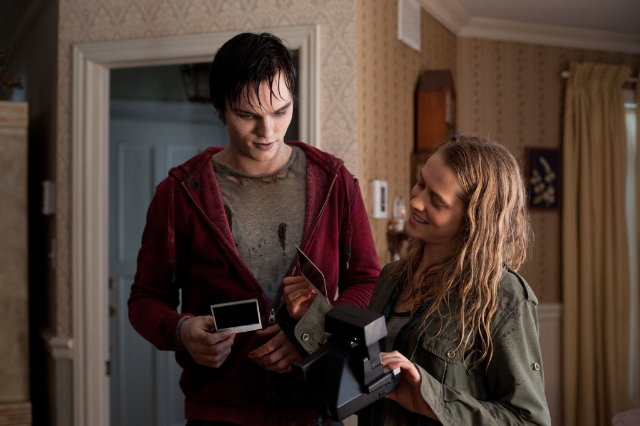 "HollywoodandFine.com Jonathan Levine's ""Warm Bodies"" won the weekend box-office race for a couple of reasons. It's a romantic comedy that works, for one thing. For another, it's a smart reworking […]"