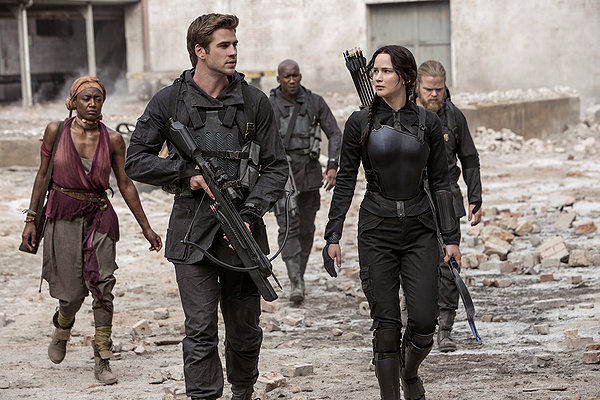 """HollywoodandFine.com At this point, it seems pretty pointless to review a new entry in """"The Hunger Games"""" series. If you're not already interested, you're unlikely to plug in and buy […]"""