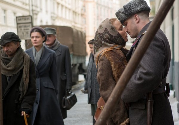 "HollywoodandFine.com Certainly the pedigree of ""Child 44"" makes it seem promising. Directed by Daniel Espinosa (""Safe House"") from a script by Richard Price, it features a sturdy, heavily British international […]"
