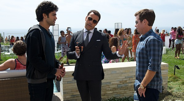 "HollywoodandFine.com I remember my elation when I saw the first episodes of HBO's ""Entourage"" in 2004. Here, at last, was a situation-comedy about backstage life in Hollywood that seemed to […]"